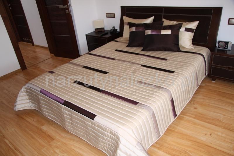 Beżowe Narzuty Luksusowe Na łóżka Do Sypialni W Fioletowe Paski