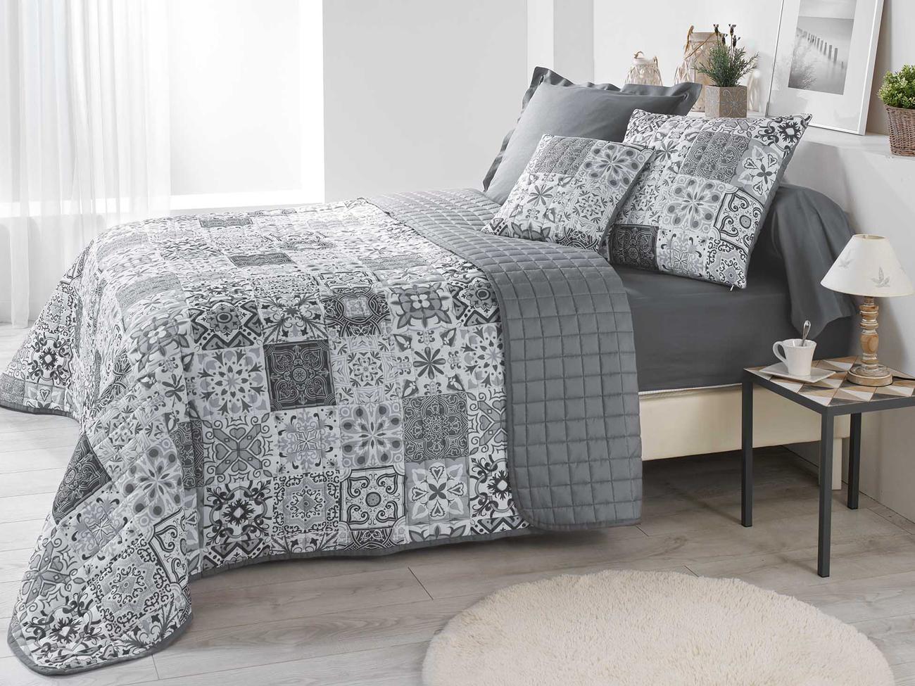 Modne Skandynawskie Narzuty Na łóżko W Kolorze Szarym 220x240